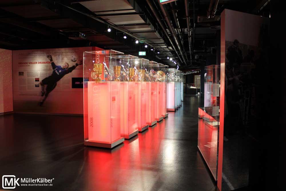 Vitrine mit Innensockel, FC Bayern Allianz Arena Erlebniswelt