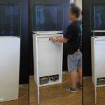 Hubvitrinen mit aktiver Klimatisierung nach Hongkong