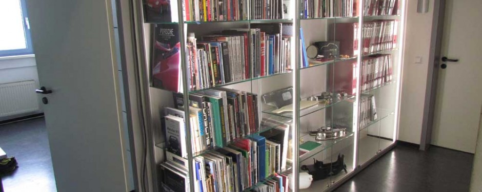 Büchervitrinen