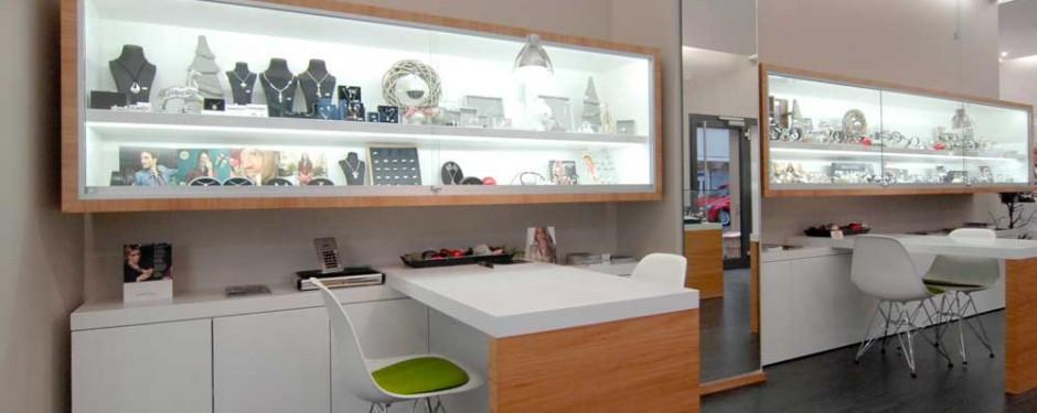 Mayer Uhren Schmuck in Bietigheim, Ladeneinrichtung, Vitrinen